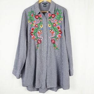 Chelsea & Theodore Embroidered Floral Button Tunic